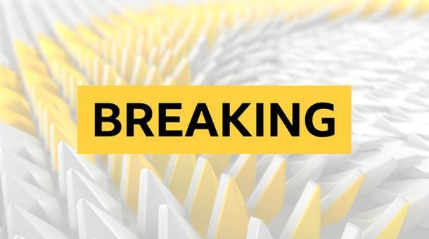 The FAs chief executive Martin Glenn will step down at the end of the 2018-19 season. bbc.in/2PAtIcT