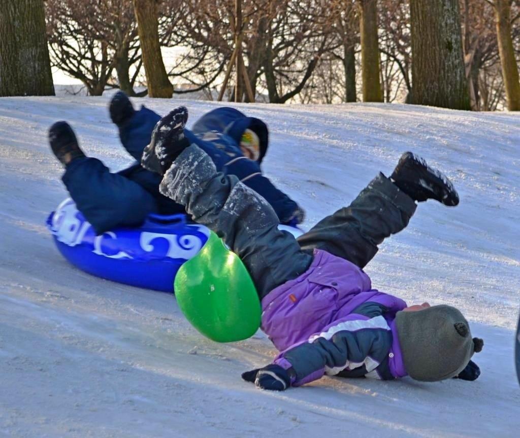 Зимний травматизм в картинках для детей