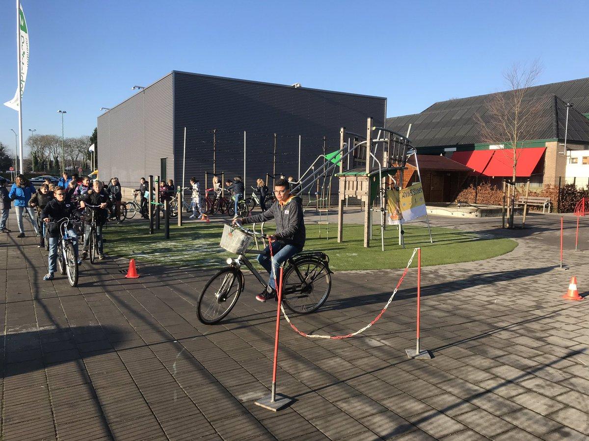 test Twitter Media - Alle leerlingen van De Meidoorn hebben vandaag StreetWise lessen gehad van instructeurs van de ANWB. Groep 7/8 heeft het Trapvaardigheidsbewijs gehaald. https://t.co/xm6g2lo9cg