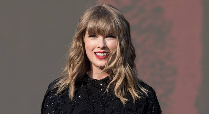Happy birthday, Taylor Swift! The Grammy-winning recording artist and international sensation turns 29 today.