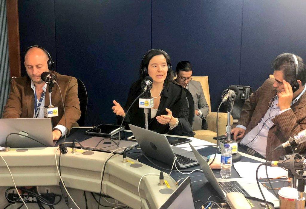 La ministra TIC @ConstainSylvia #AlAire en la @lafm hablando del Proyecto de Ley #ModernizamosElSectorTIC.