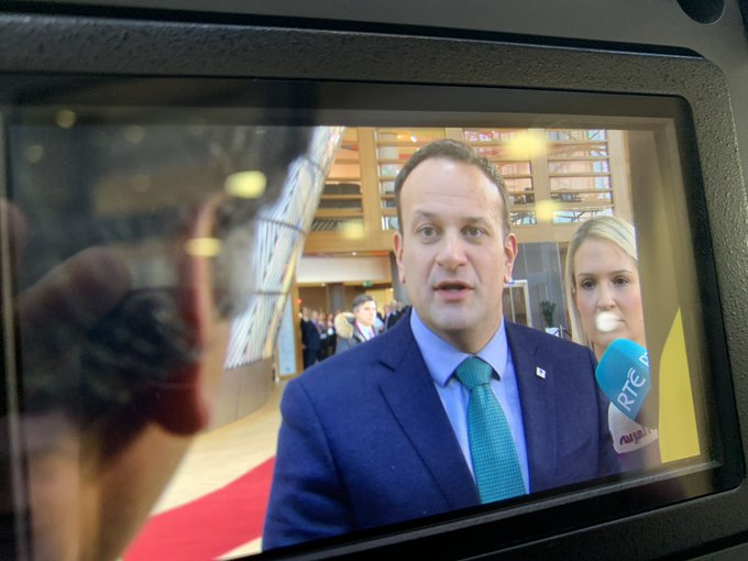 Just had fascinating exchange with Taoiseach Varadkar - who said No to idea of bilateral deal between London & Dublin as way through impasse - who said the EU can help if the UK wants to avoid No Deal with A59 extension - backed enthusiastically the UK-Ireland 2030 World Cup bid Photo