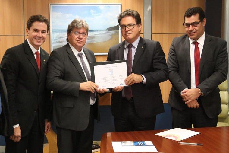 Oi, Paraíba! 😍 O pedido de R$283 milhões do governo do estado recebeu o Selo+Turismo, que garante prioridade de análise no @bndes_ihttps://t.co/BmZpMNR1Mdmpre#Prodeturnsa: .   +Turismo