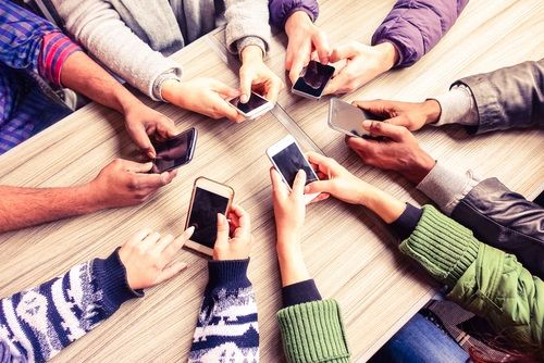#Smartphone market set for recovery after weak 2018 via @mobileworldlive buff.ly/2Qy3Bsb #telecom #mobile