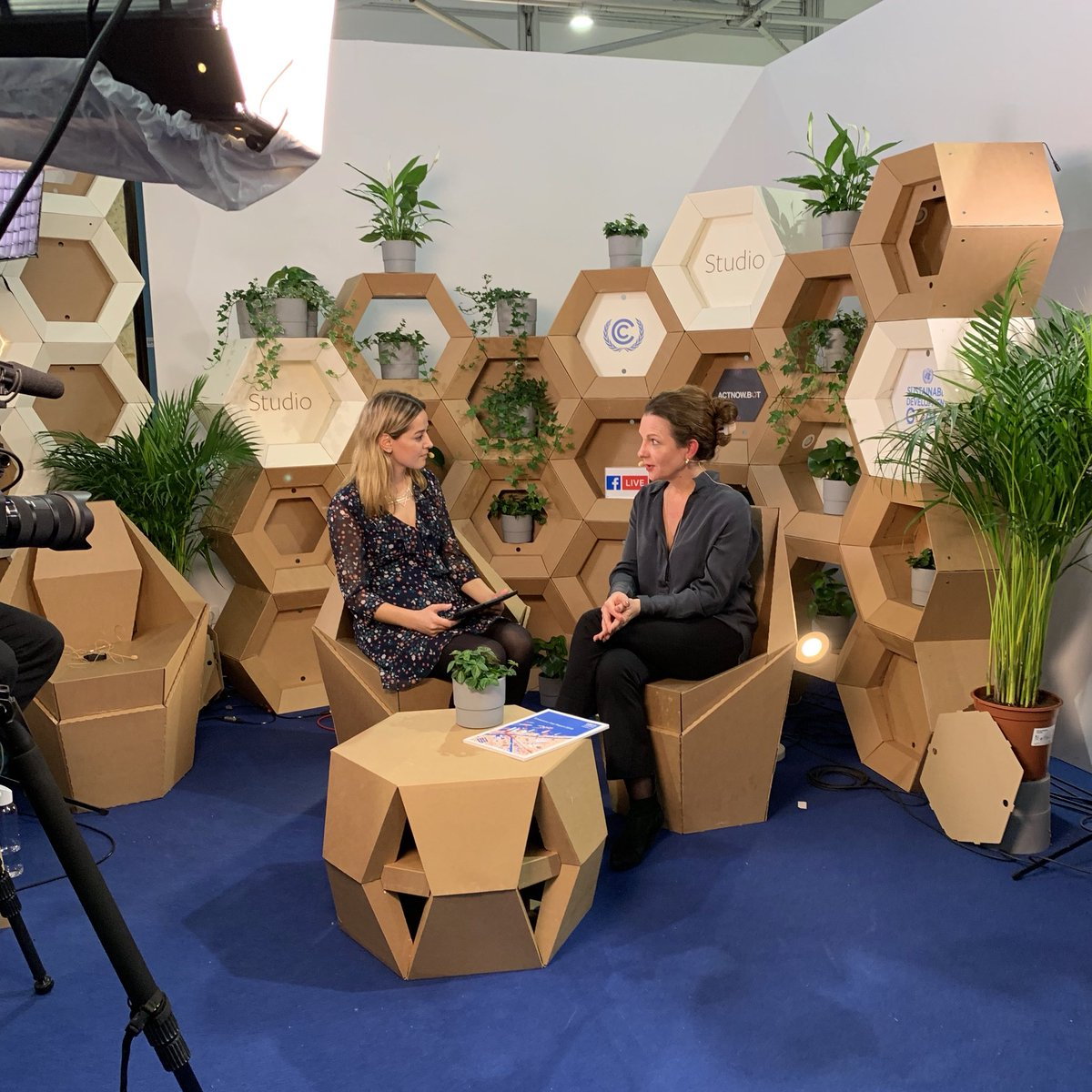It is still possible to keep global warming below 2°C, but the technical feasibility of bridging the 1.5°C gap is dwindling.  Anne Olhoff of @UNEPDTU spoke with @GlobalGoalsUN about the #EmissionsGap Report at #COP24 ➡️ https://t.co/oMefg96tNg #ClimateAction