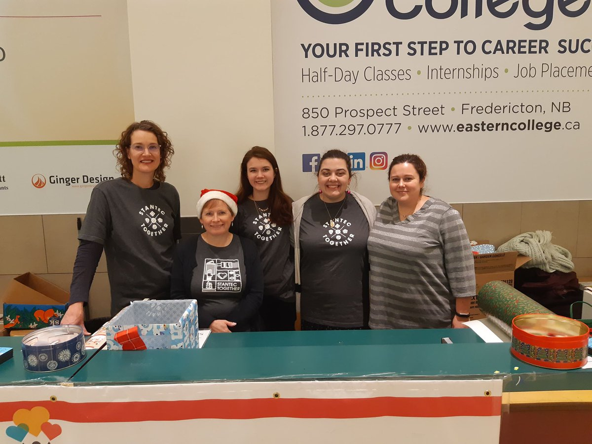 &#39;Tis the Season! Our @Stantec #Fredericton #volunteers were busy wrapping gifts &amp; raising money for @ChalmersFdn at @RegentMall_NB!<br>http://pic.twitter.com/LfrBN7MfLh