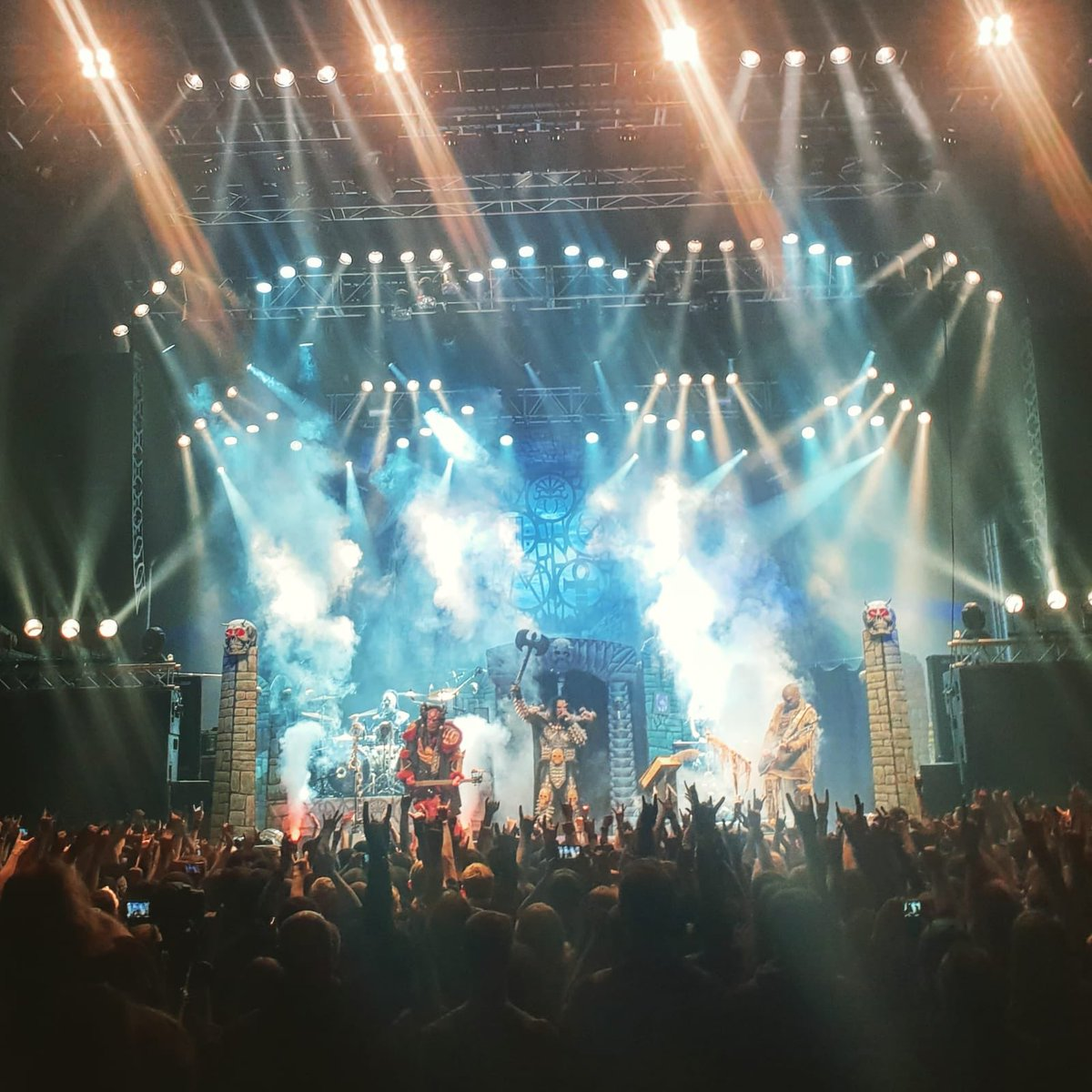 Russia are you ready?! The Sextourcism continutes in St. Petersburg today!  #lordi #sexorcism #russia #stpetersburg #live #metal #hardrock #music #monsters #horror #finland #music #sextourcism https://t.co/gKl14SouO0