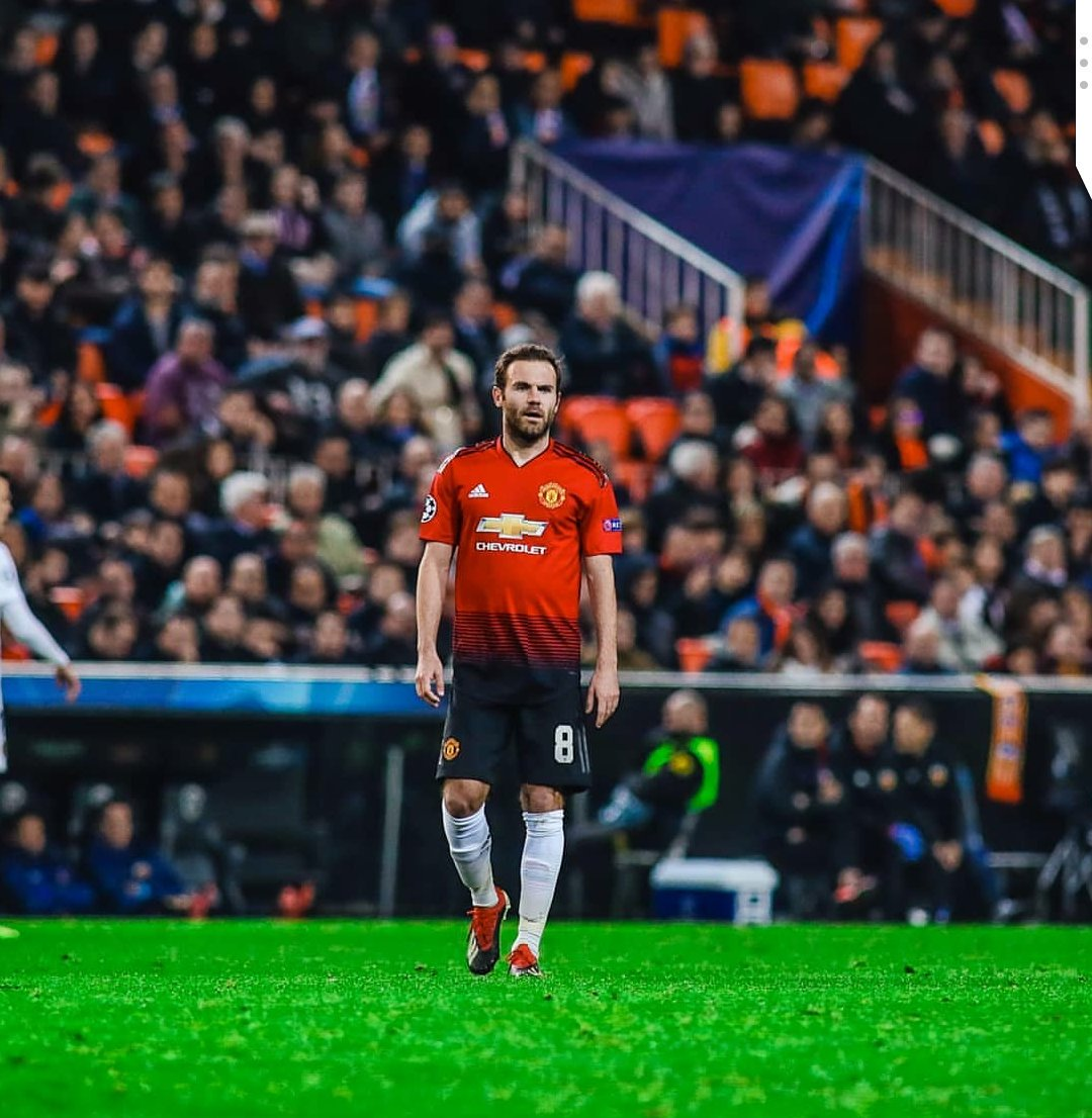 Disappointing result last night in a very special game for me. GRACIAS Valencia, sois increíbles ❤️🙏. Thanks also to all @ManUtd fans who travelled 🔴 #mufc @valenciacf @ChampionsLeague