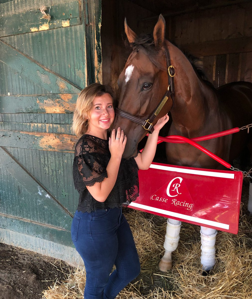 Here's a throwback of Wonder Gadot and I for #nationaldayofthehorse  I don't know what my life would be like without them.<br>http://pic.twitter.com/nA4fmo63FN