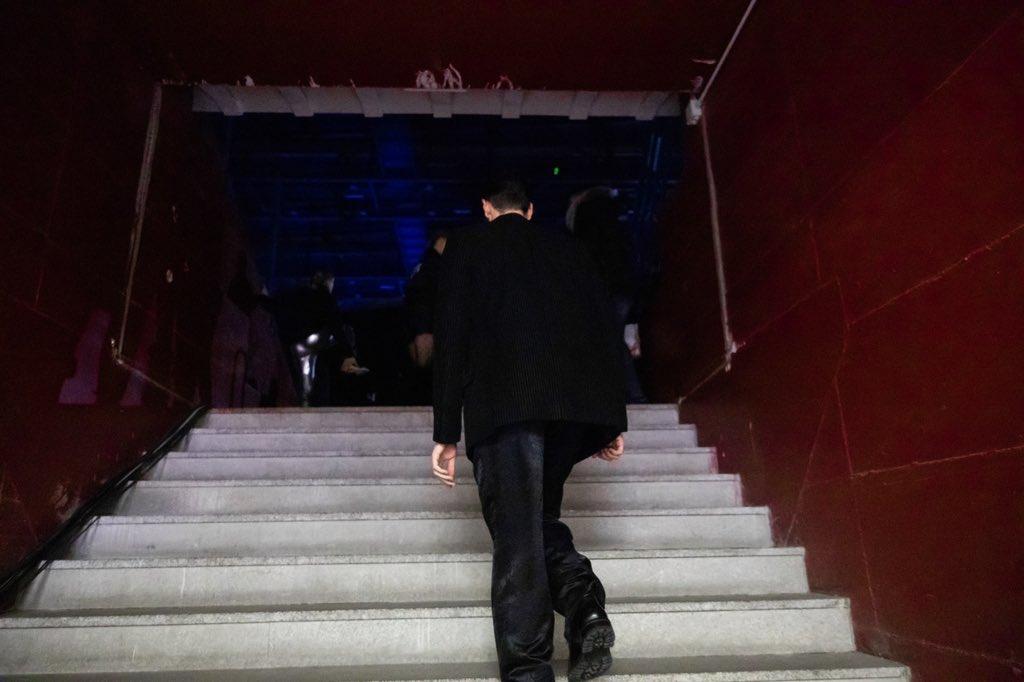 RT @mengonimarco: Marco adesso sul palco della finale di @XFactor_Italia #XF12 Staff https://t.co/BDomcLukD8