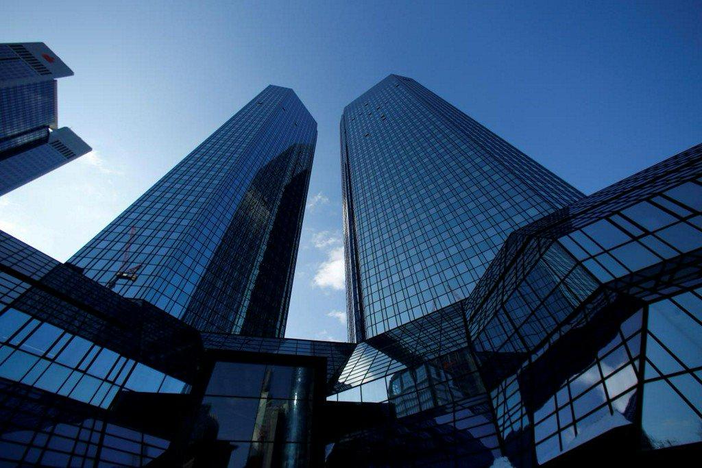 Top Democratic lawmakers seek probe into Deutsche Bank controls reut.rs/2QtFdIg