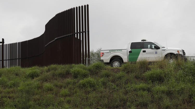 A 7-year-old girl from Guatemala died of dehydration and shock after she was taken into Border Patrol custody last week for crossing from Mexico into the United States illegally with her father. https://t.co/ik2z8lMKIg