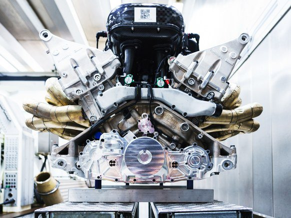 Check out the V12 engine that the team at Aston Martin will use to breathe life into its upcoming $3 million Valkyrie hypercar. The gleaming maze of metal is a beautiful beast. The 6.5-liter V12 will produce 1,000 horsepower and rev to 11,100 rpm. https://t.co/FcVRv3wbtW