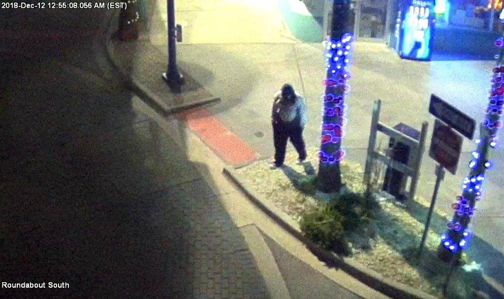 Have you seen this person? @Tybee_PD is seeking to ID the subject in these pictures from the early morning hours of Wednesday, Dec. 12.  Call Detective Eddie Dicus with any information at 912-472-5104