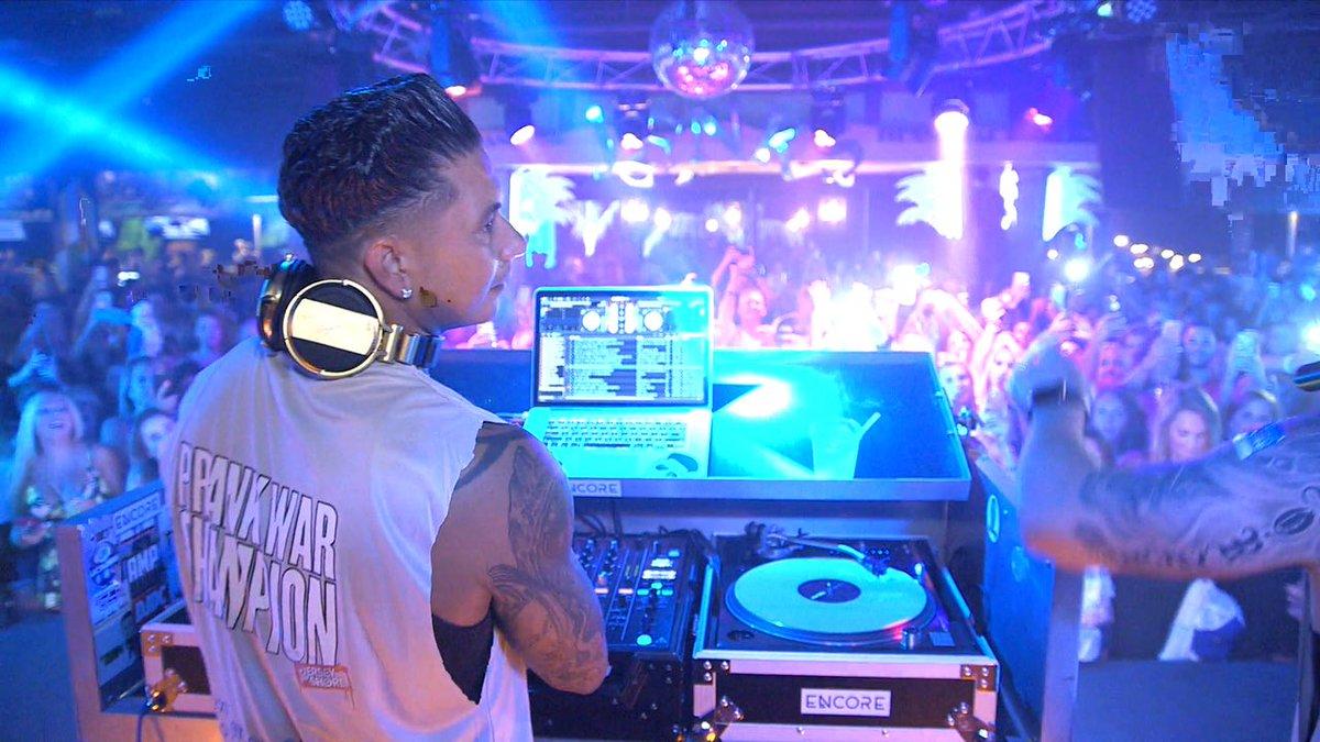 Lit DJ Pauly D Party On @MTV @JerseyShore #JSFamilyVacation