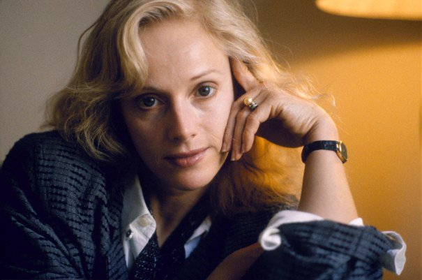 Sondra Locke Dies: Oscar Nominee & Clint Eastwood Co-Star Was 74 https://t.co/HLVJ7TJTfY