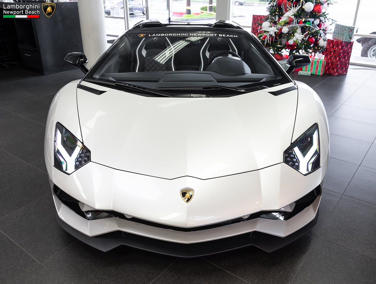 Lambo Newport Beach On Twitter Balloon White V12 Beauty