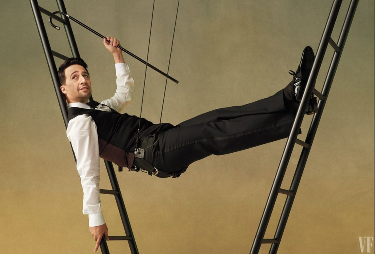 """test Twitter Media - In a cover story for @VanityFair, @Lin_Manuel'02, Hon. '15 and friends/fellow Wes alumni Thomas Kail '99 and Sam Wasson '03 about Lin's career so far and upcoming film """"Mary Poppins Returns."""" ☂️ https://t.co/CrZucXbm1t https://t.co/LCJqwToYKg"""