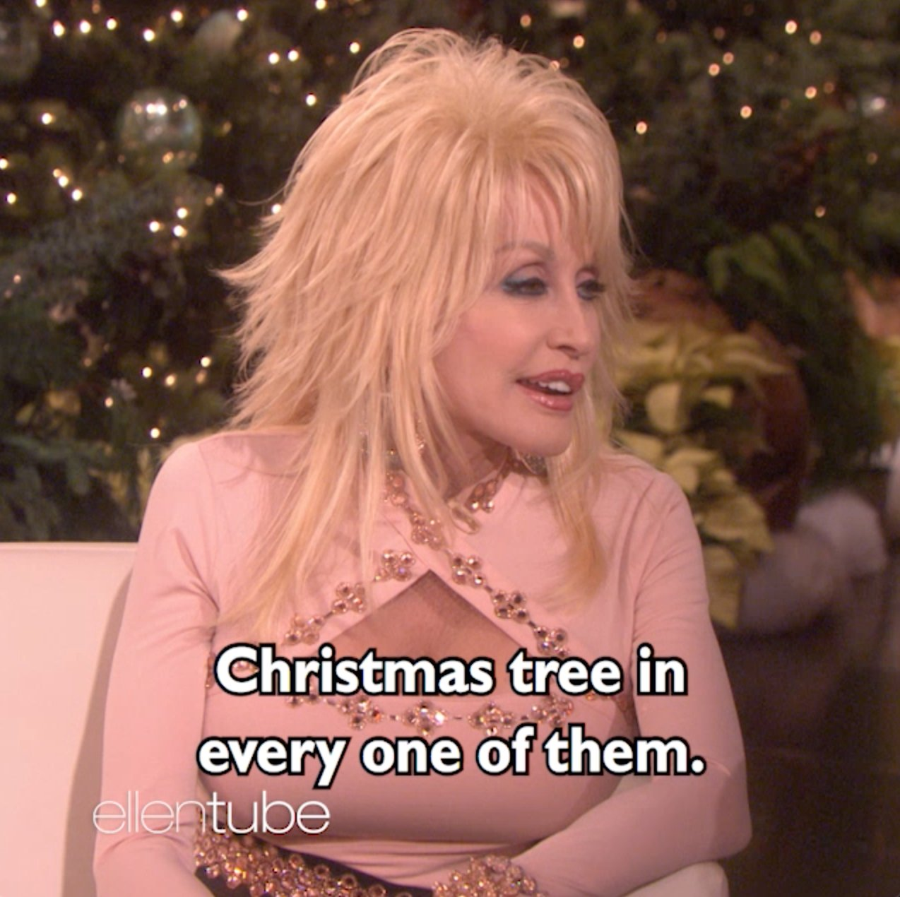 I want to go to @DollyParton's house for Christmas. https://t.co/EZ6fDVxWvG