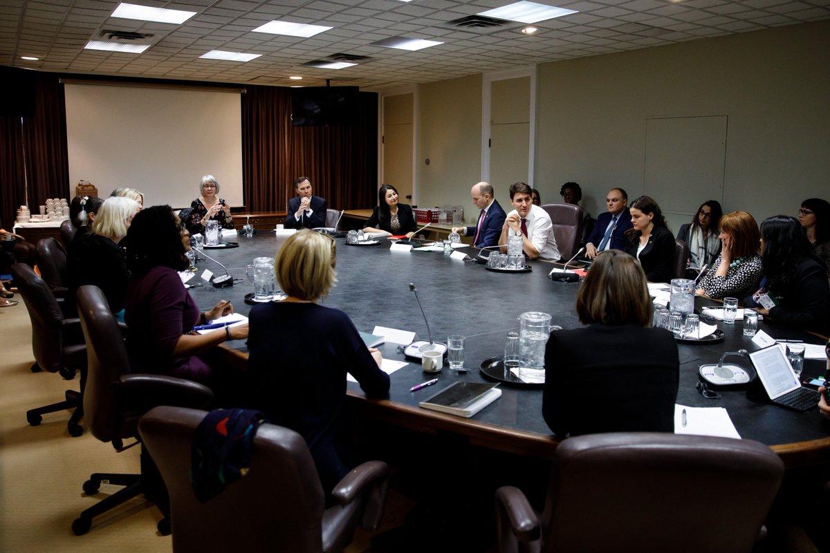Kate McInturff a fait des progrès considérables pour les femmes et les filles au Canada. Aujourd'hui, chercheurs, économistes et experts se sont joints à nous pour poursuivre le travail qu'elle a commencé et parler de l'égalité des sexes et de l'économie de notre pays.