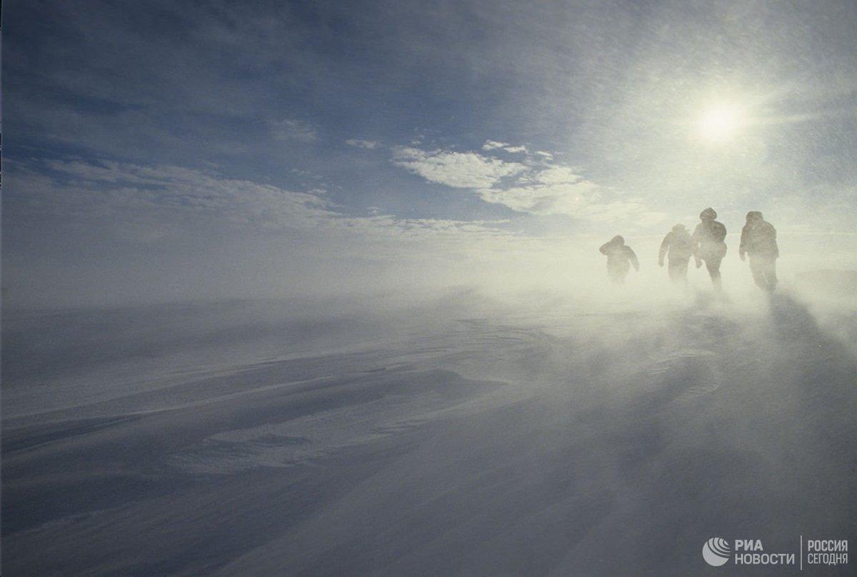 На американской станции в Антарктике нашли мертвыми двух человек  https://t.co/1Pr4YNCk76