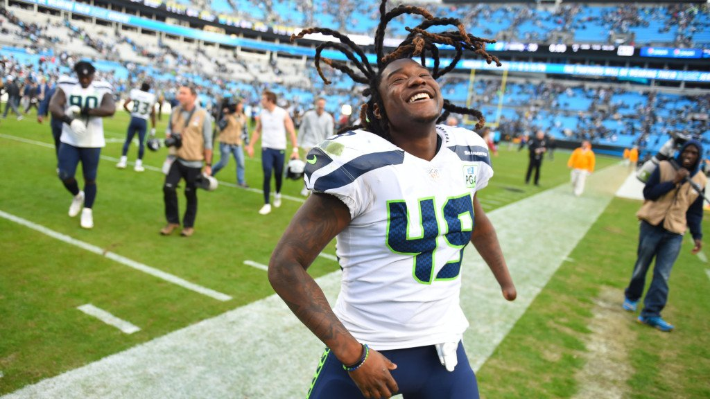 Shaquem Griffin is ready if the Seahawks need him  https:// seahawkswire.usatoday.com/2018/12/13/sha quem-griffin-is-ready-if-the-seahawks-need-him/ &nbsp; … <br>http://pic.twitter.com/7lv3SOzMCN