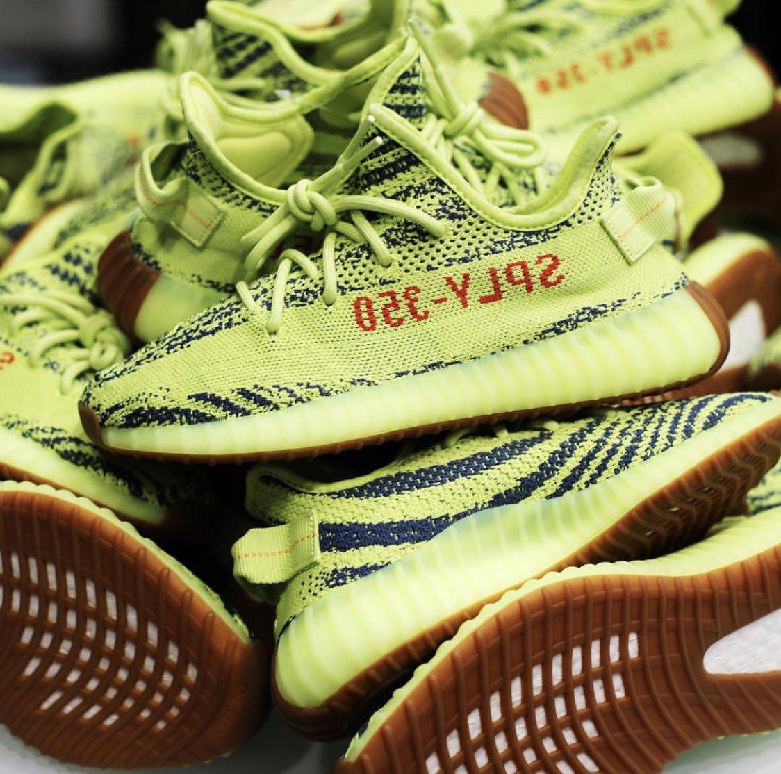 45a00d65483 AD  adidas Originals Yeezy Boost 350 V2  Semi-Frozen Yellow  in 15min via  Footsites Eastbay http   bit.ly 2EtuiYz Footlocker http   bit.ly 2EvG5ps ...