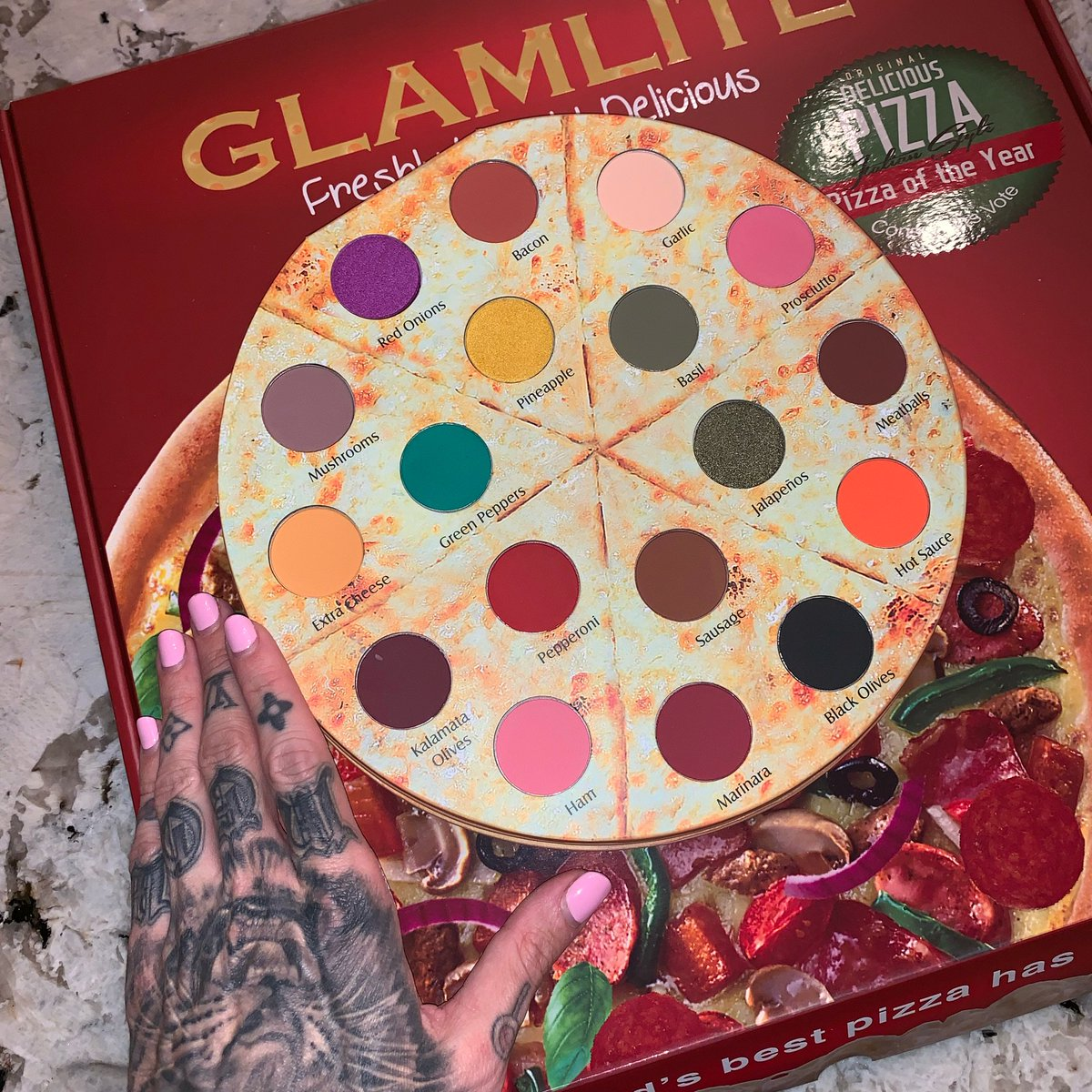 Just got the #Pizza eyeshadow palette in the mail... 😂🍕 Filming a review tomorrow!