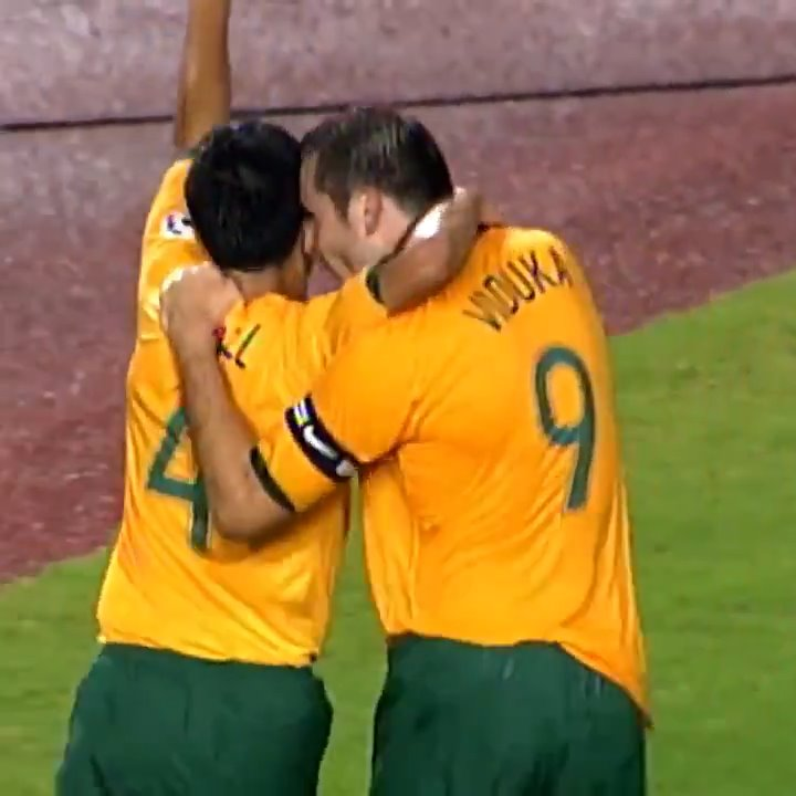 The cross from @Tim_Cahill 👌 The finish from Mark Viduka 🙌 This was our third goal on our way to our first ever @AFCAsianCup win. 🎥: @FoxFootball #GoSocceroos