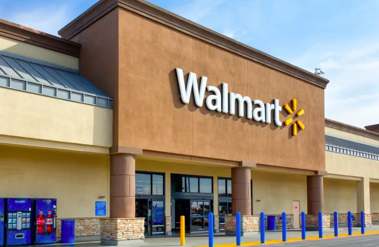 Arrest warrants have been issued for two white thugs who harassed and called a black woman the n-word in a Walmart parking lot: trib.al/vfAkGl2