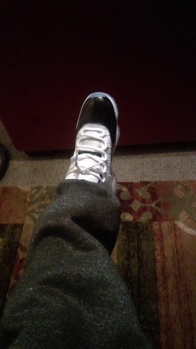 U see the drip #Jordans #jordan11 #jordanfans #shoeporn #jordan45 #drip #sauce #folowback #sneekerhead @QcQuarter