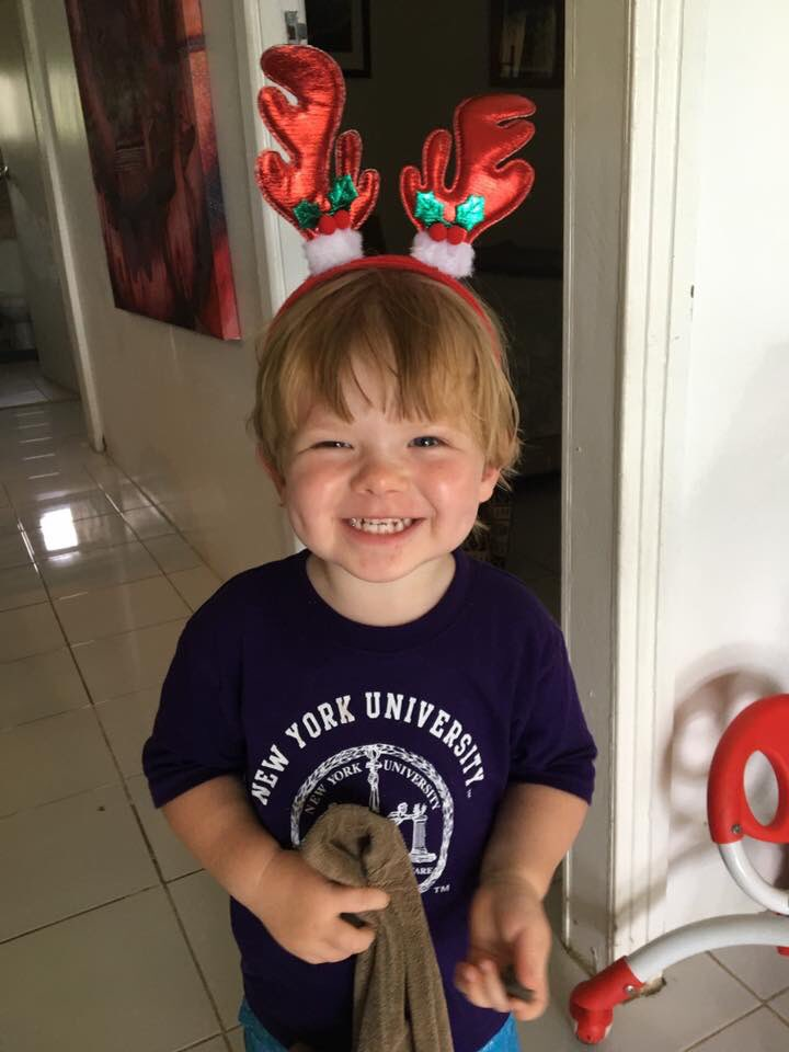 Looks like my great nephew has got the NYU vibe in Fiji. ⁦@NYUSPS⁩ ⁦@nyutischsports⁩ https://t.co/0kaWpibqpg