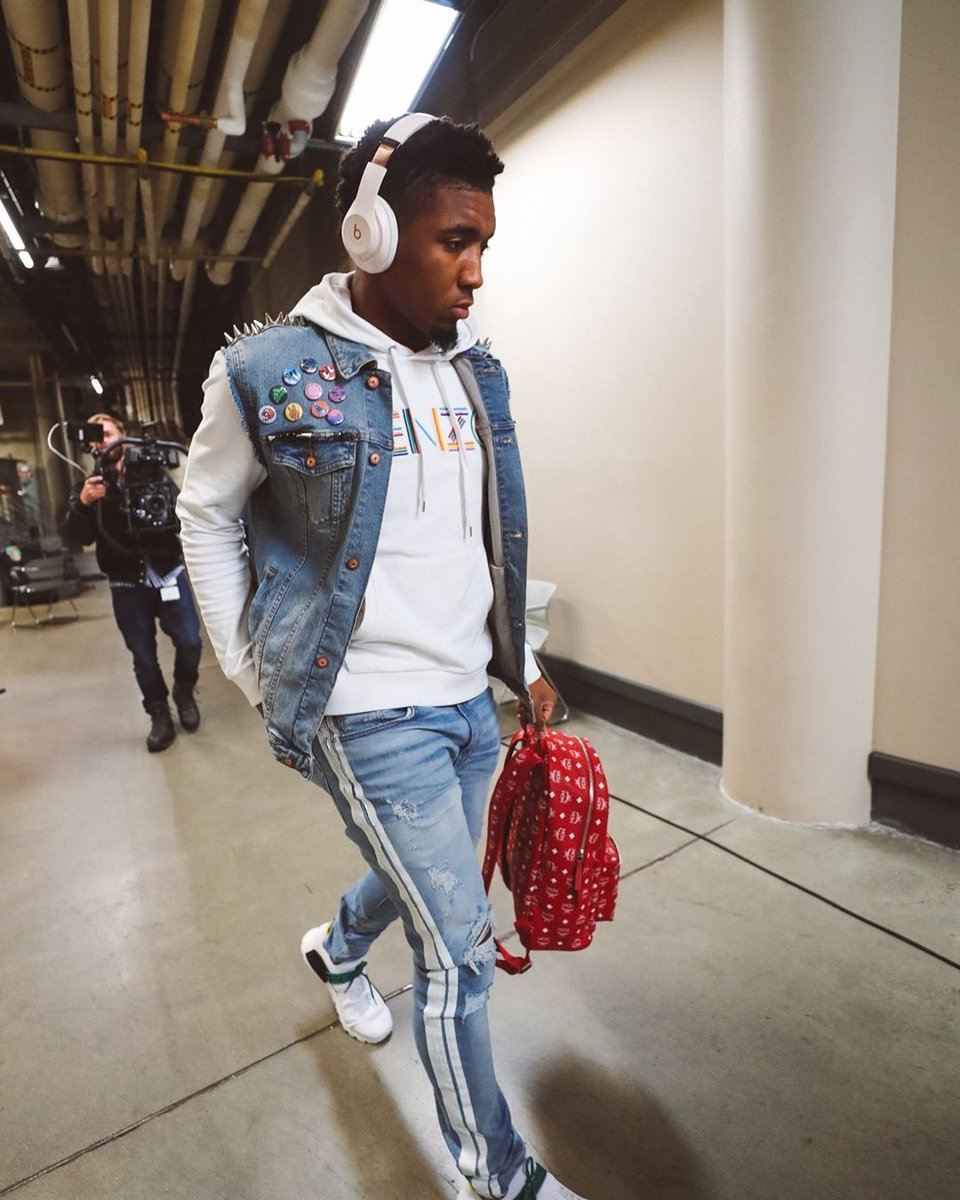 You guys, @spidadmitchell isn't playing. Who noticed this?