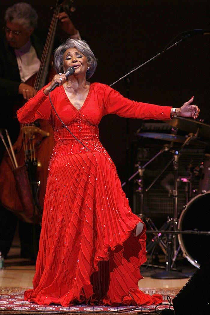 #BREAKING Grammy-winning jazz singer Nancy Wilson dies at 81 at her SoCal home https://t.co/e2d245vpSg