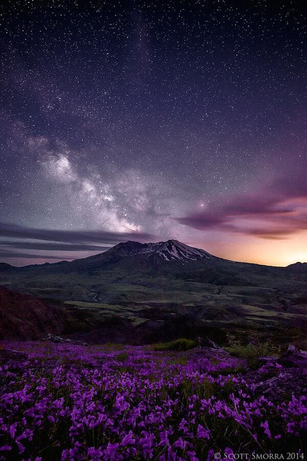 #Space: a plume of stars erupts from Mt St. Helens… #GoodMorning https://t.co/kMId67HFdY via @500px
