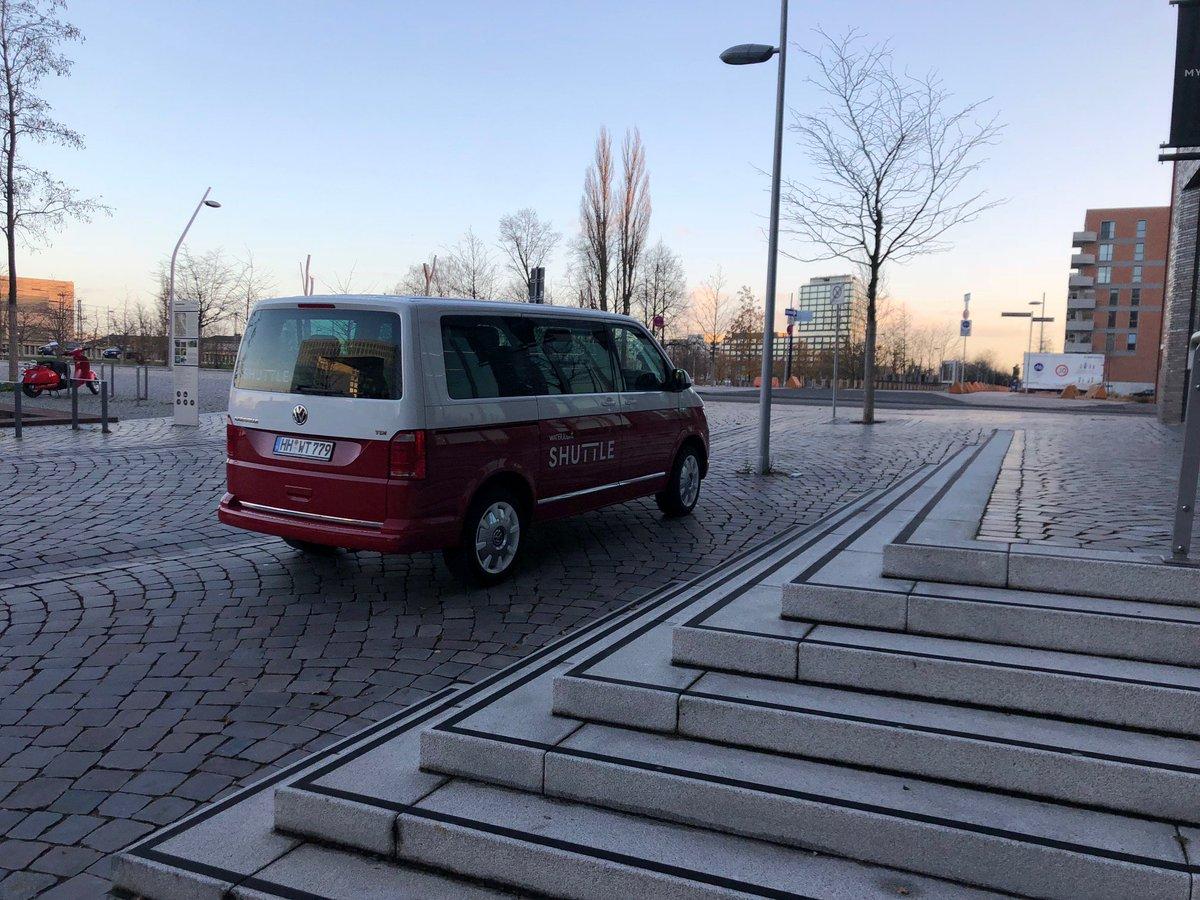 Auf gen Wochenende, auf gen nächstes Event.  Was steht bei euch an, wohin dürfen wir euch fahren?  ______________ #waterkantshuttle #hamburgechtbewegen #shuttle #waterkant #newworkspace #mobilität #hamburg #hh #caravelle