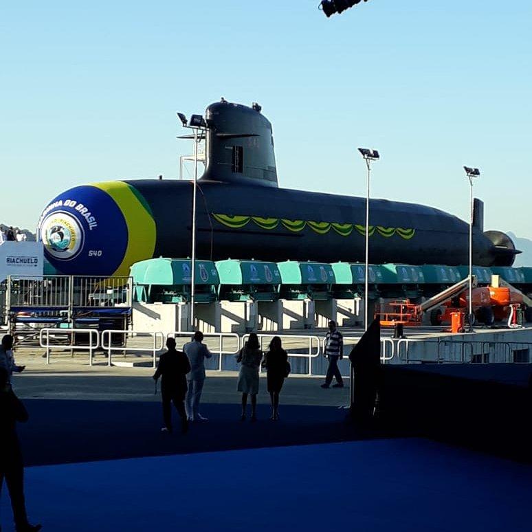 45f00ba8dc Marinha lança novo submarino S-40 Riachuelo ao mar pela primeira vez. Este  é o primeiro de uma frota de quatro novos submarinos de ataque da Marinha  do ...
