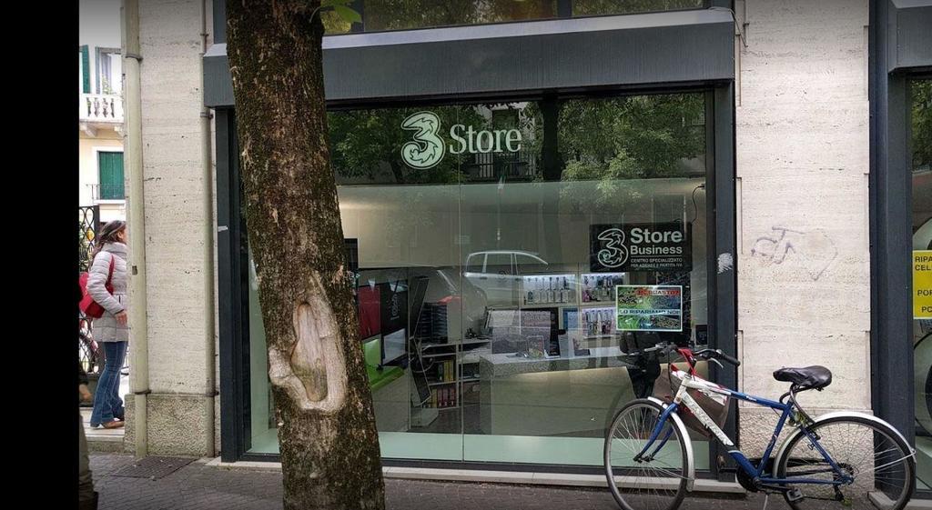 Spaccata in pieno centro a Treviso: rubata la cass...
