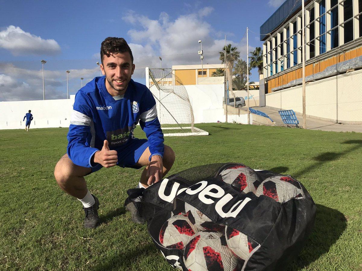 Buenos días 😃💙 Nos encontramos ya en el Anexo del estadio para realizar un nuevo entrenamiento   #VamosMelilla