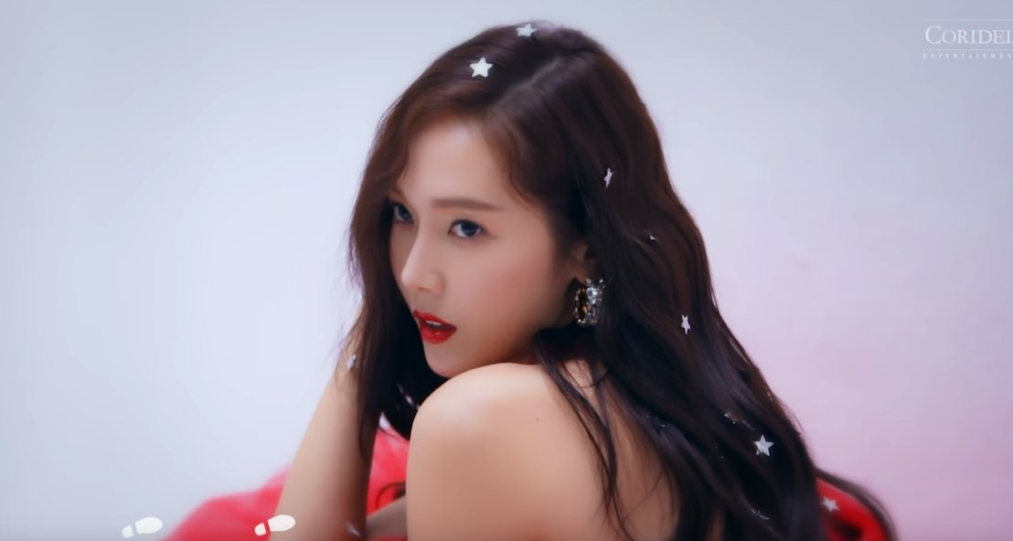 Jessica is a winter goddess in 'One More Christmas' MV https://t.co/SiZmEOs4to