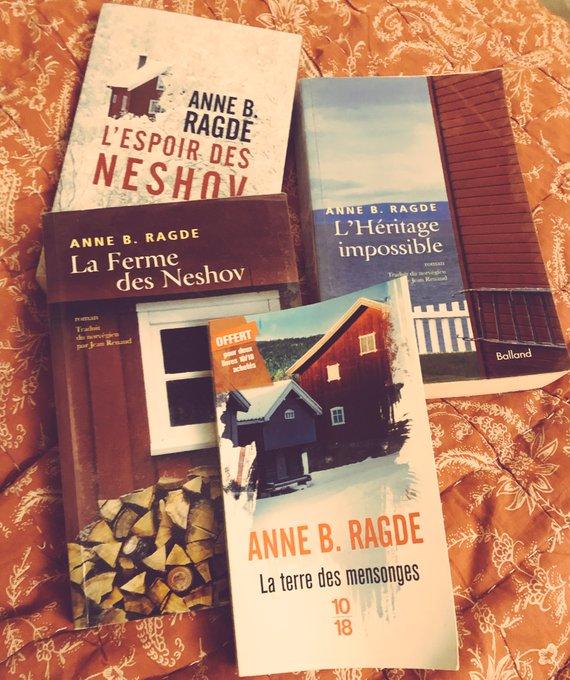 En ce #VendrediLecture je rentre juste de la media @missmedia57 pour attaquer le tome 2 des Neshov ;-) cette saga 😍😍😍 Photo