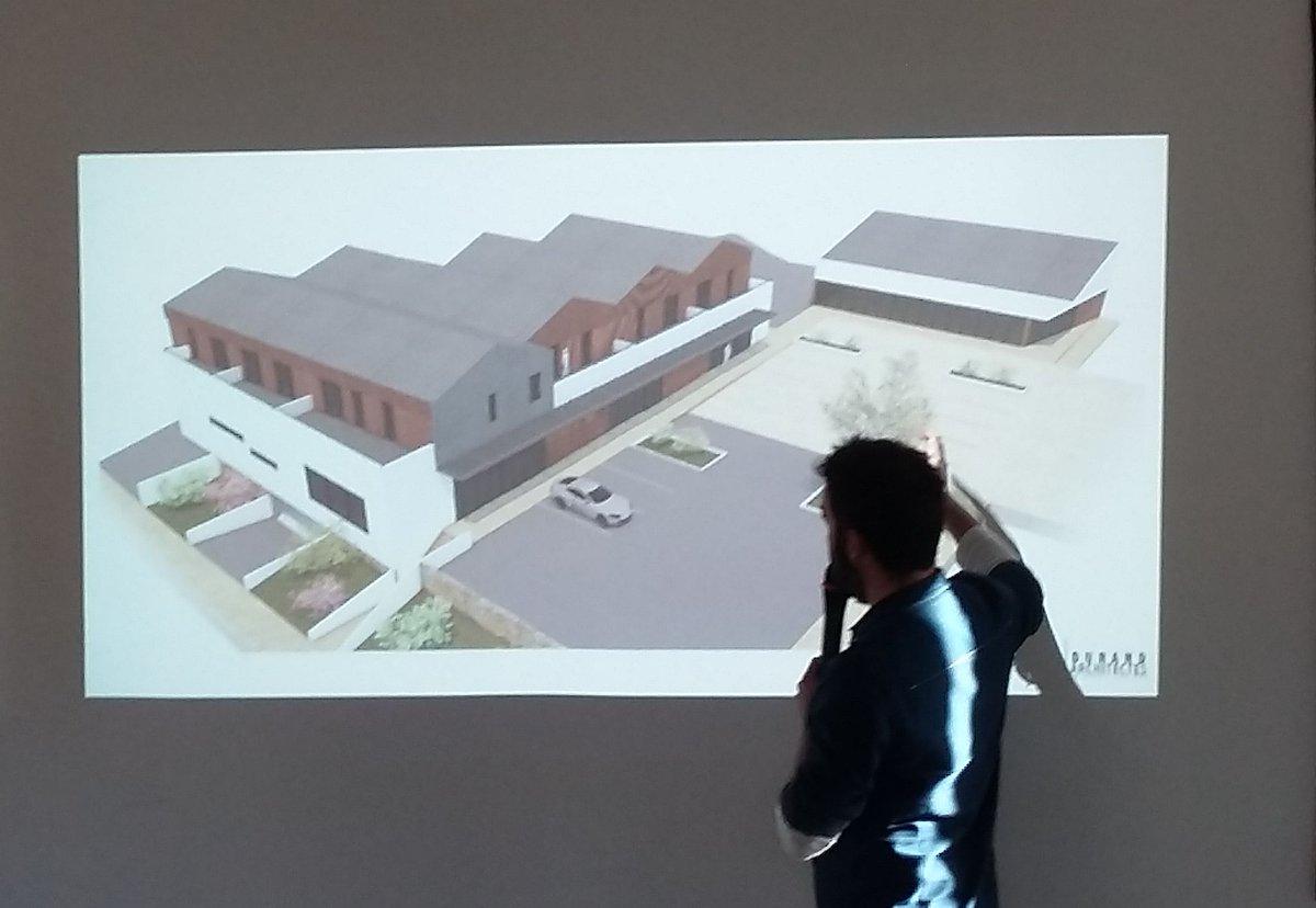 Conférence de presse à Aubigny (#Vendée) pour la présentation du futur projet de centre commercial et 8 logements 🏢développé par @oryon85 et @epfvendee. Une conception Durand #architecte pour laquelle Serba 👷 réalise la #structure. RDV en 2020 pour la livraison 📦