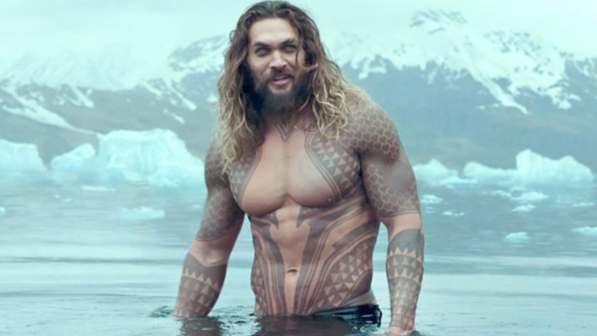 Russian reviews about #Aquaman: So far, Aquaman - the most stupid and cheerful movie DC I agree. Some mentally retarded viewers and critics complained about the complex plot, the dark and realistic atmosphere. Get what you asked for.