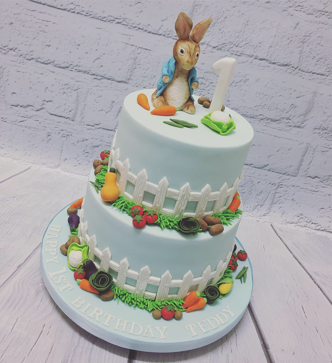 Astonishing O Xrhsths Marias Cake Boutique Sto Twitter Peter Rabbit 1St Personalised Birthday Cards Epsylily Jamesorg