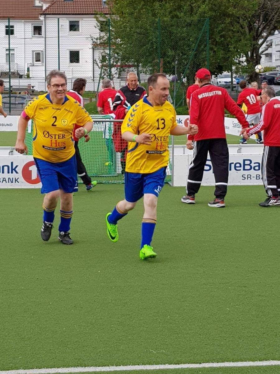 3f287faf Bilder fra laget på Landsturnering 2018 i Bergen (der vi vant Fair Play  prisen) og laget på vei til konferanse om Tilrettelagt fotball i Drammen i  ...