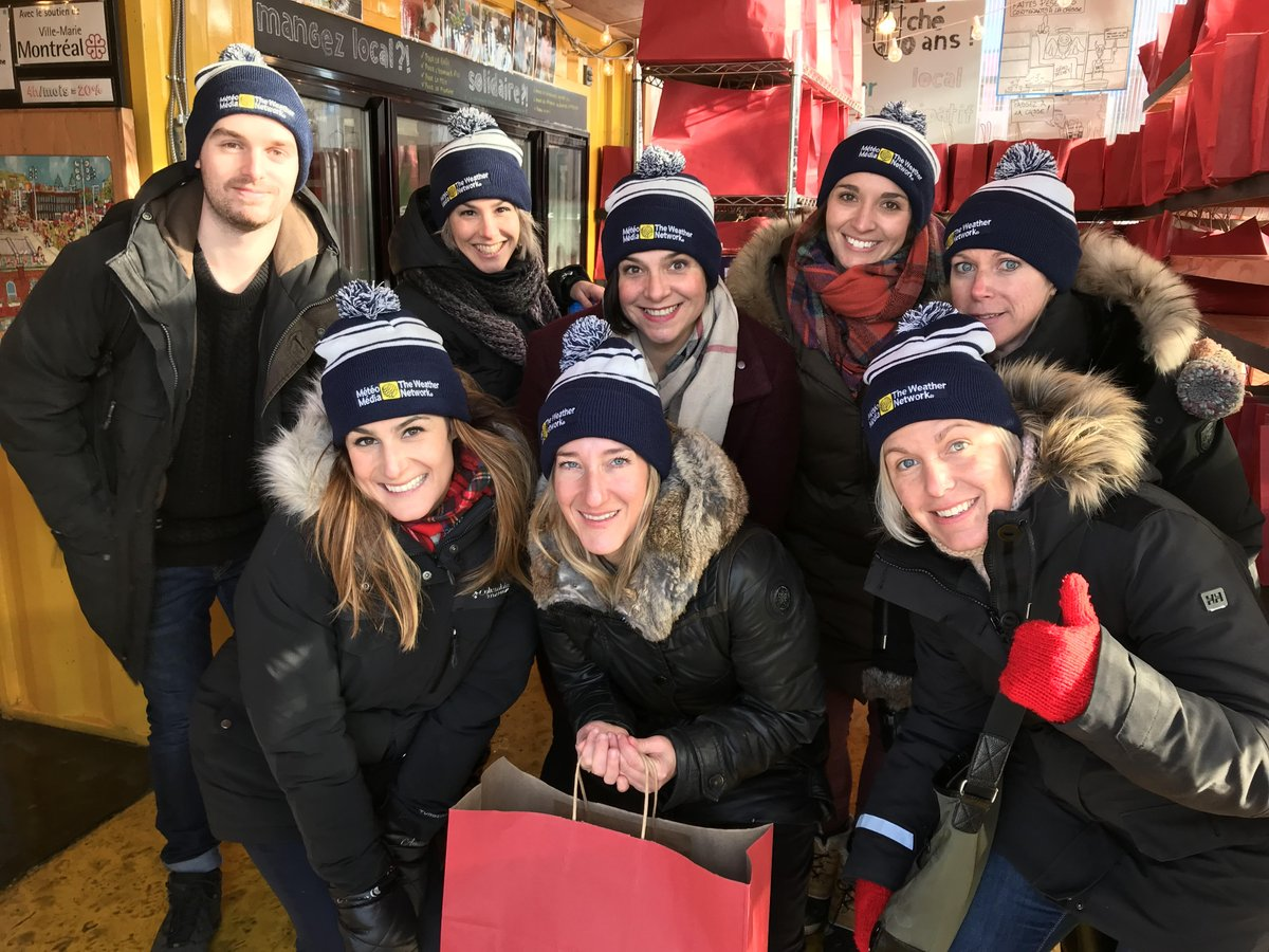Our @meteomedia team in Montreal gave back to the community by volunteering with @Regroup_Partage this week. The team prepared 150 Christmas bags to help 150 families in need, so that they can enjoy a warm & healthy meal during the holidays 🎁 .#Pelmorexcares