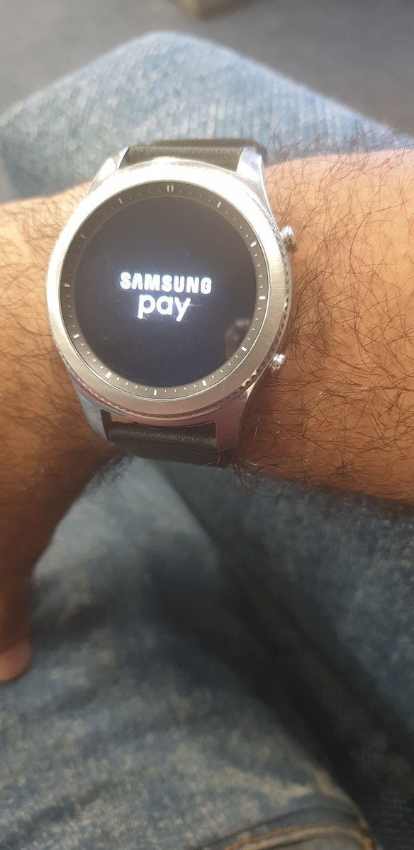 Getting ready for the long weekend all i need is my @SamsungSA @SamsungSA #GearS3 and #GalaxyNote9  leaving my wallet behind cause all i need is with me <br>http://pic.twitter.com/4rFSf6DzZ6