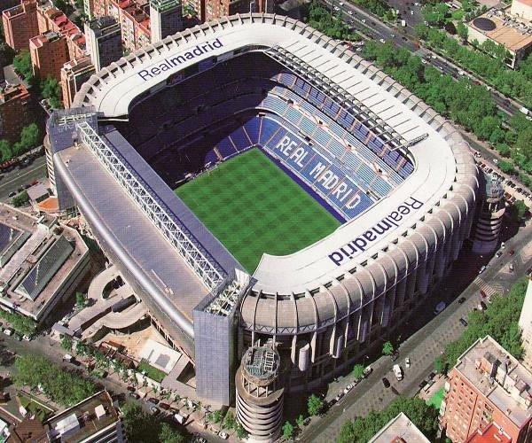 El #EstadioSantiagoBernabéu cumple 71 años. El 14 de diciembre de 1947 se inició la leyenda de uno de los grandes estadios de la historia del deporte. En aquella fecha tan señalada, el @realmadrid se enfrentó en un amistoso al Os Belenenses portugués. #HalaMadridYNadaMás