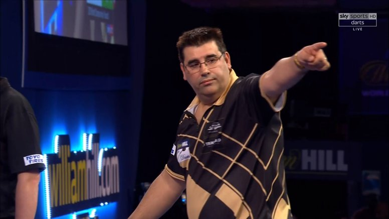 Michael Barnard 2⃣-2⃣ Joe De Sousa  From two sets down, De Sousa has fought back to square up the match and send it all the way! Who will hold their nerve? #WHDarts