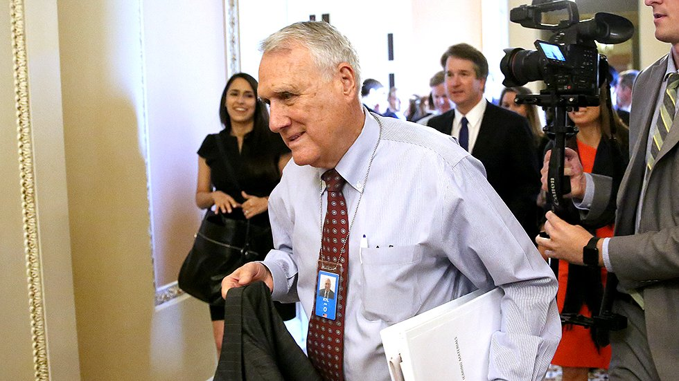 JUST IN: Jon Kyl to resign from Senate, leaving GOP governor to fill McCain's seat again https://t.co/wppdiygfX2